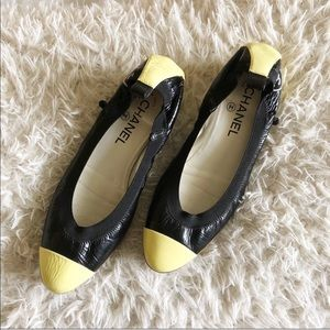 Chanel 2 Tone Patent Leather Round Toe Mid Heel!